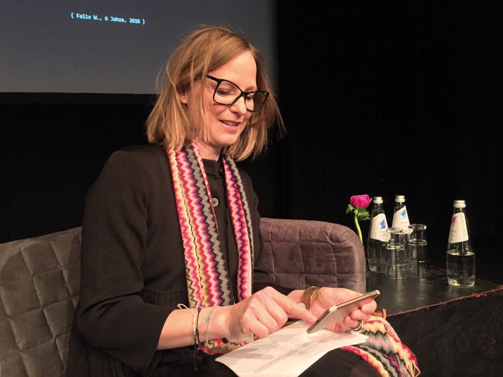 Dr. Annette Doms – sympathische Expertin zum Thema KUNST 4.0