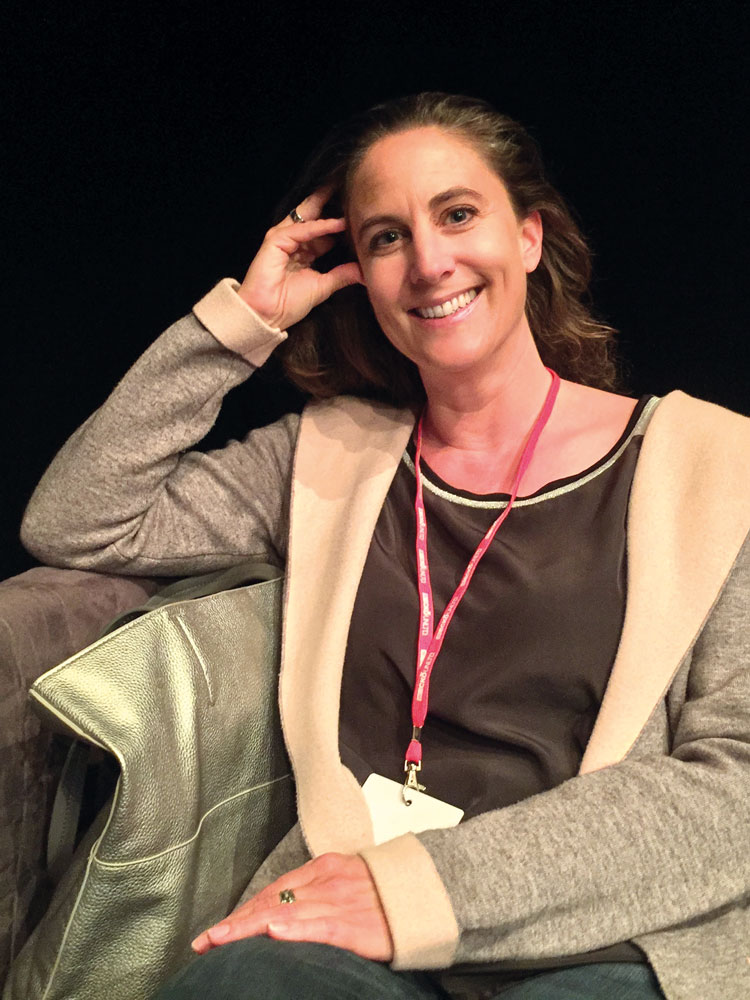 Portrait der Künstlerin Bianca Artopé, welche ich schon vor zwei Jahren in der ARTMUC-Messe auf der Praterinsel kennenlernen durfte.